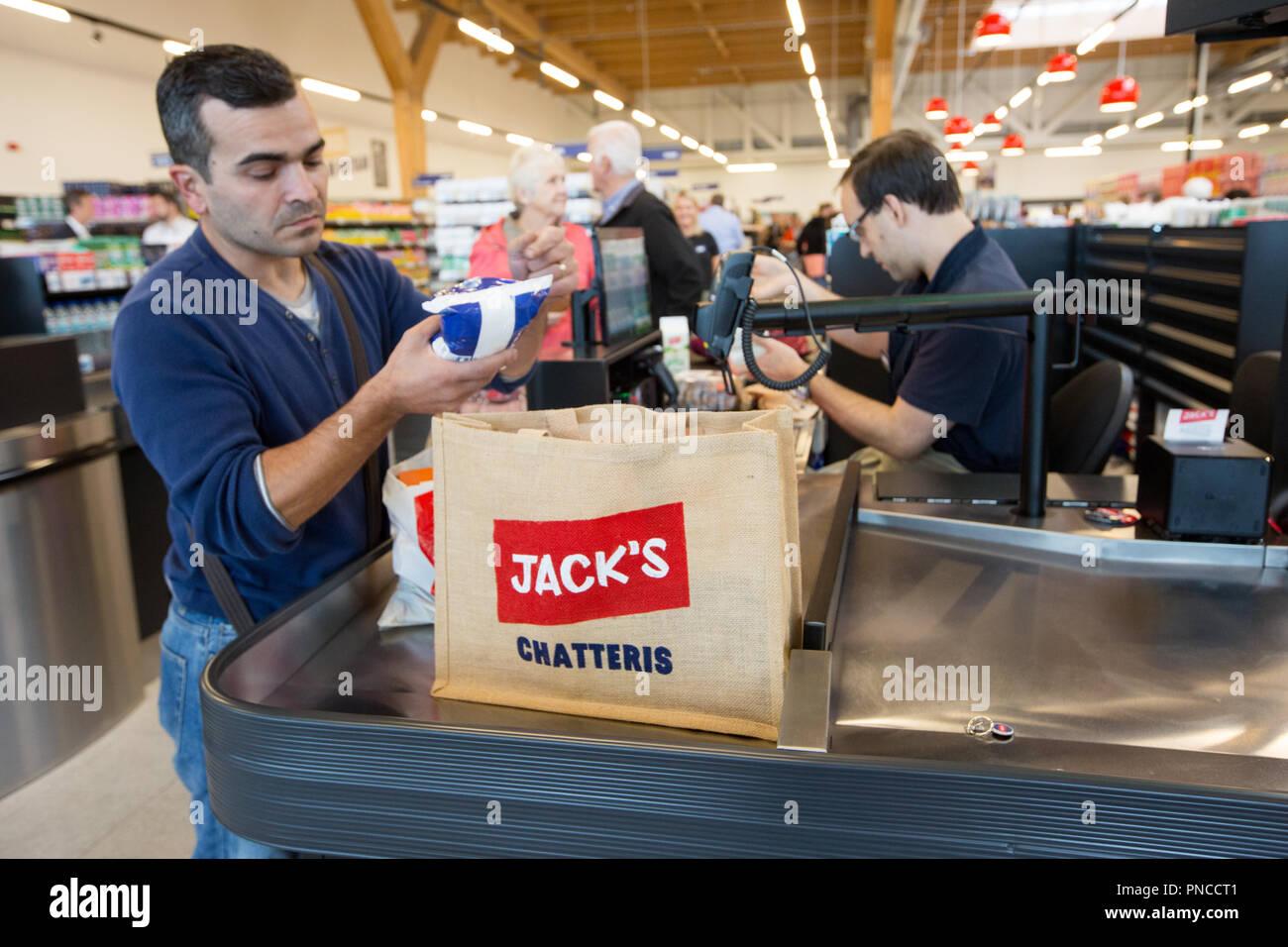 Discount Food Retailer Stockfotos Discount Food Retailer Bilder