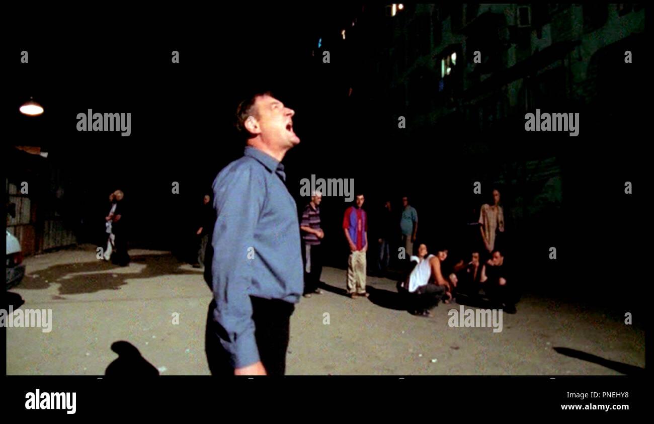 Prod DB © Tatfilm - Sanguko Films/DR L'HOMME DE L'AMBASSADE (DER MANN VON DER BOTSCHAFT) de Dito Tsintsadze 2006 ALLE. avec Burghart Klaussner Ausrufer, Appeler autre Titre: Der Mann von der Botschaft (USA) (festival Titel) Stockbild