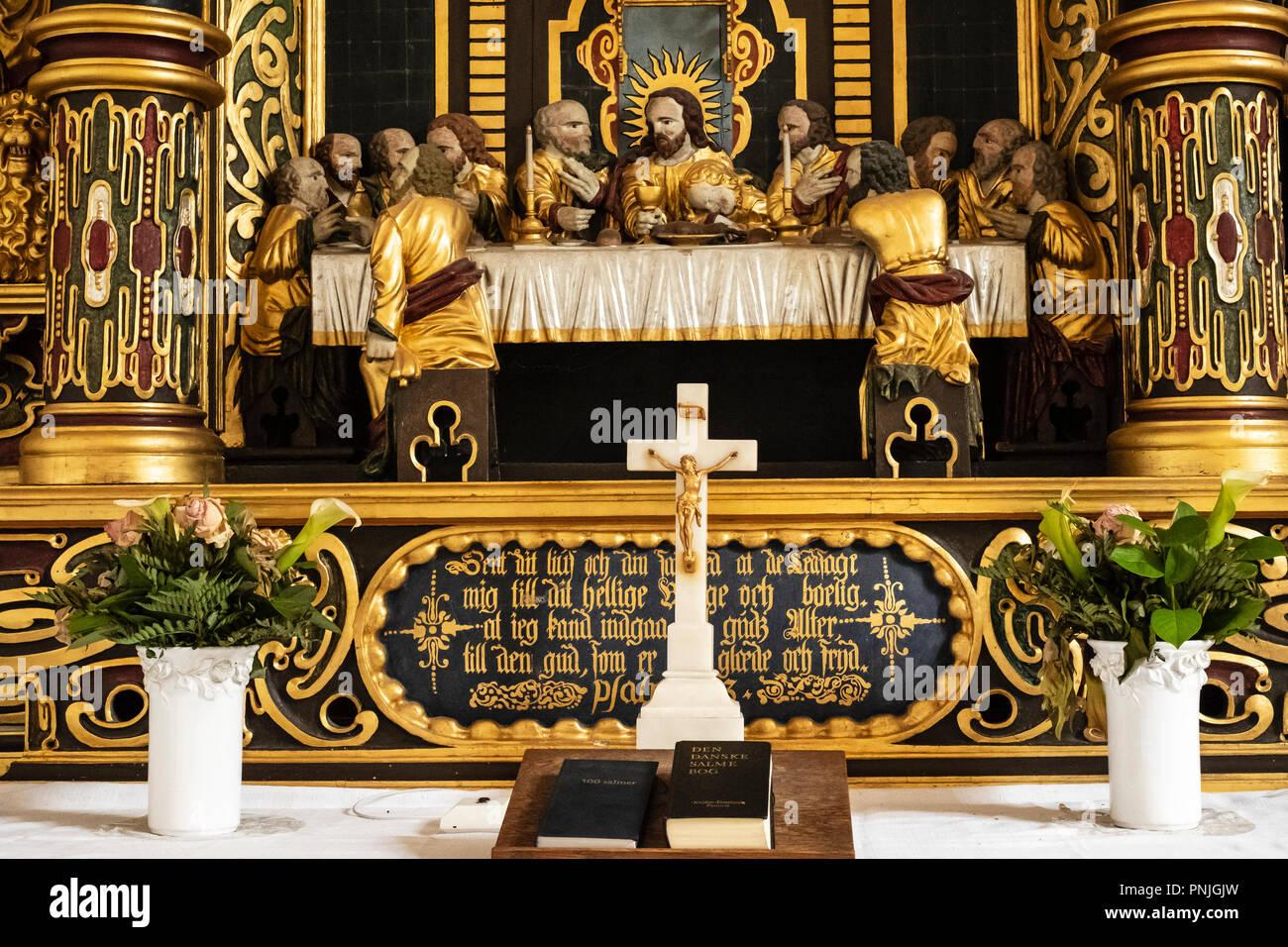 Der Altar der Kirche Elmelunde, Moen Island, Dänemark, Skandinavien, Europa. Der Altar der Kirche von Elmelunde, Insel Mön, Dänemark, Skandinavien, Europ. Stockbild