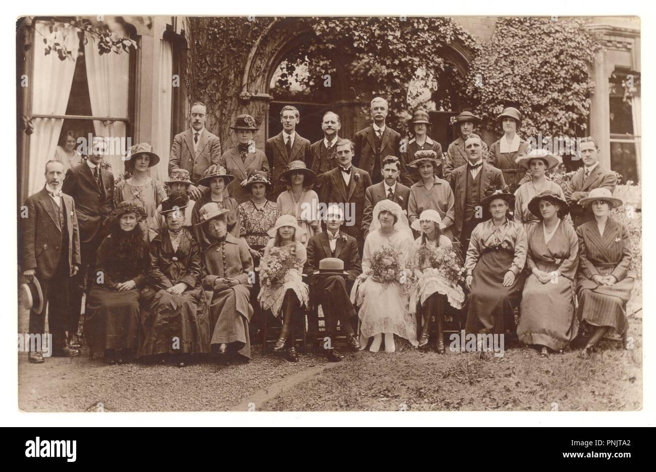 Anfang 1900 Sepia Postkarte Von Hochzeit Gruppe Mit Braut Und