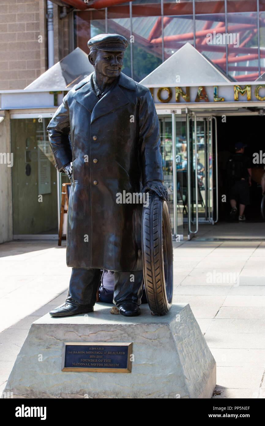 Statue von Edward Montagu [3 Baron Montagu von Beaulieu] der Gründer des National Motor Museum in Beaulieu Stockbild