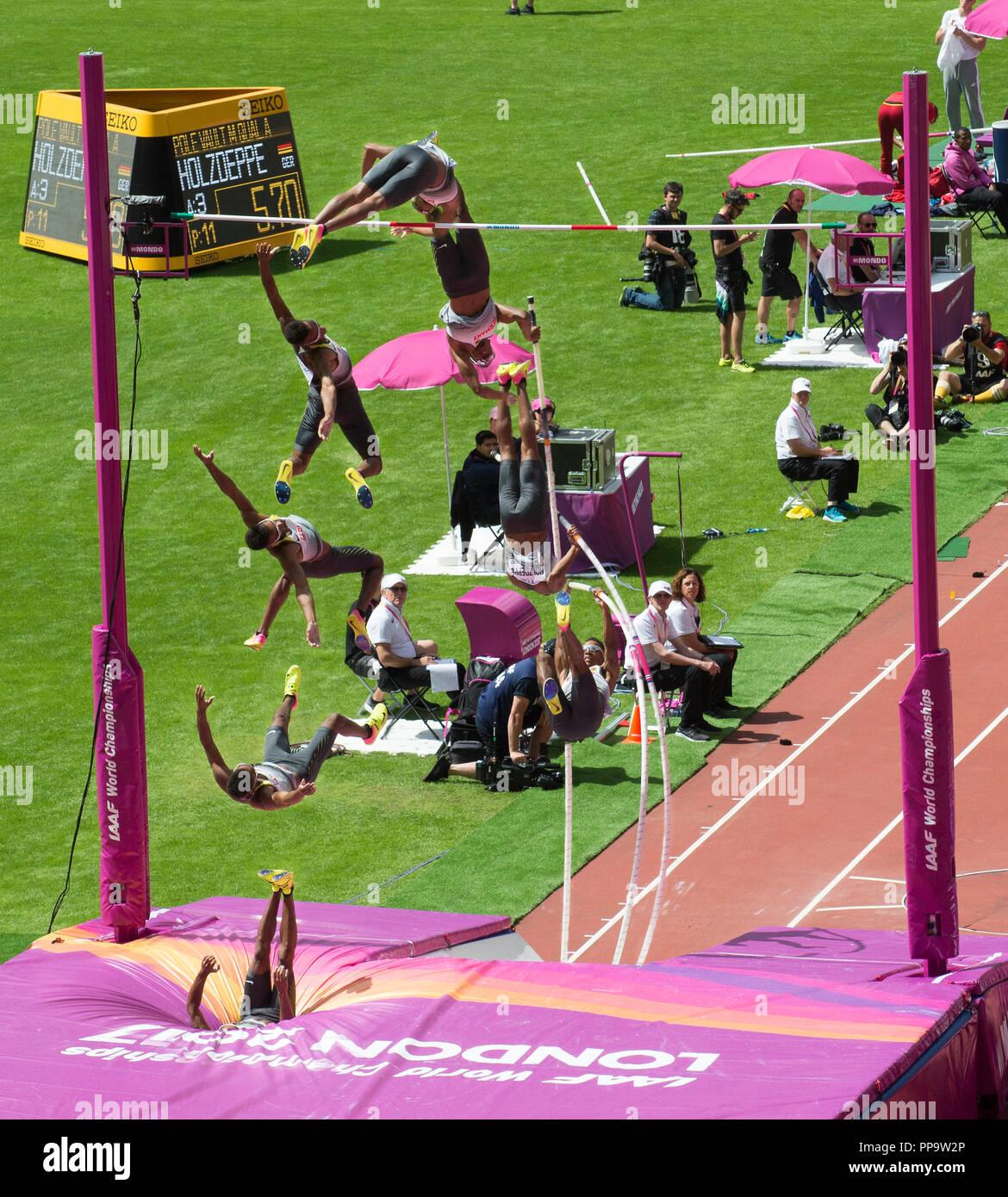 Pole Vaulting an der London 2017 Leichtathletik-Weltmeisterschaft Stockbild