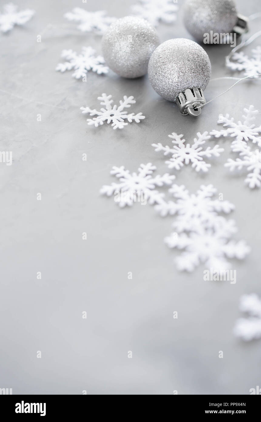Christmas Ball Silver Card Stockfotos & Christmas Ball Silver Card ...