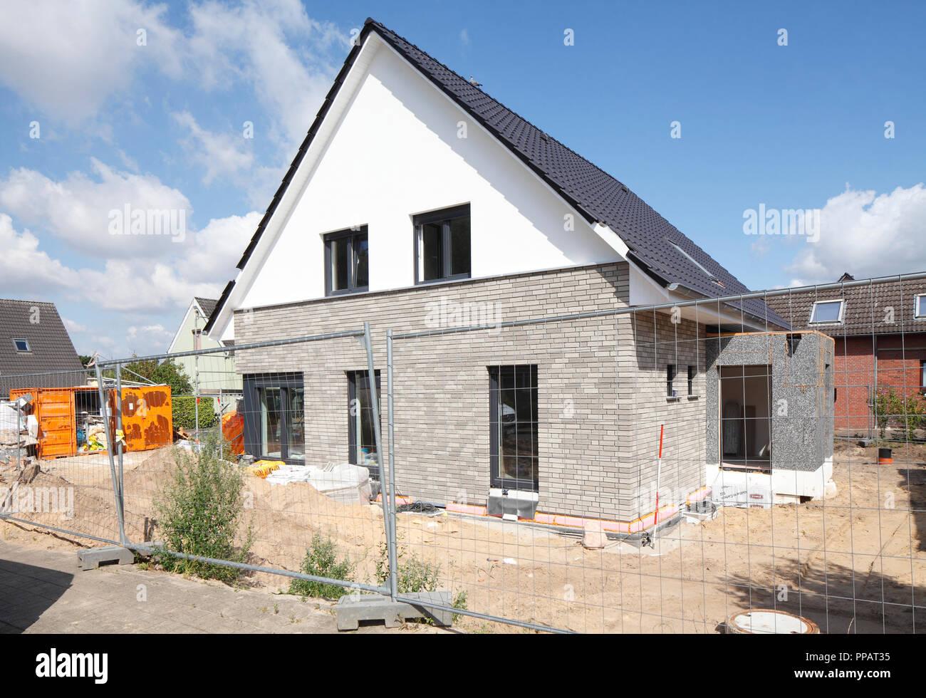 Freistehendes Haus, Bau, Rohbau, Achim, Niedersachsen, Deutschland, Europa ich Einfamilienhaus, Baustelle, Rohbau, Achim, Niedersach Stockfoto