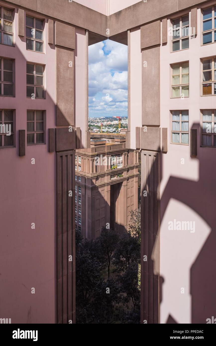 Paris, Noisy-le-Grand Mont d'Est, Espaces d'Abraxas, Le Palacio Stockbild