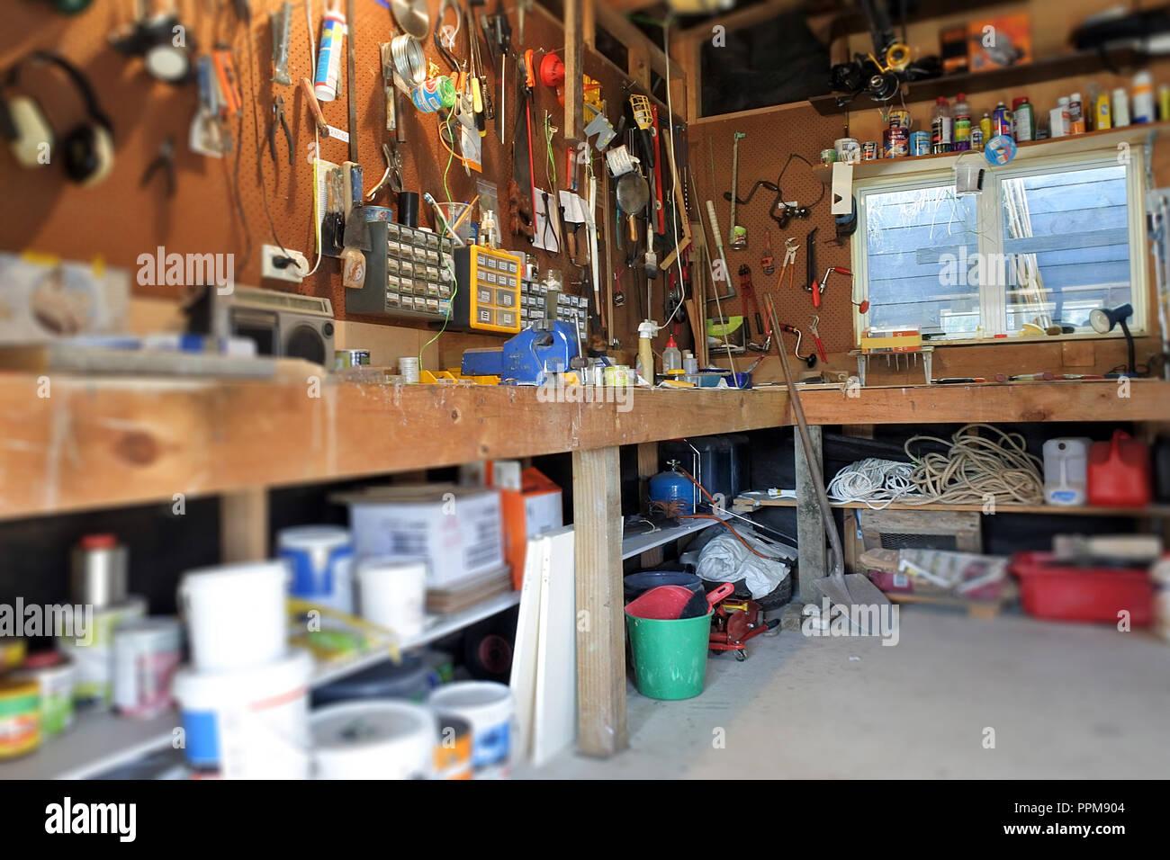 Innenansicht Des Hauses Garage Workshop Mit Arbeitsflache Und