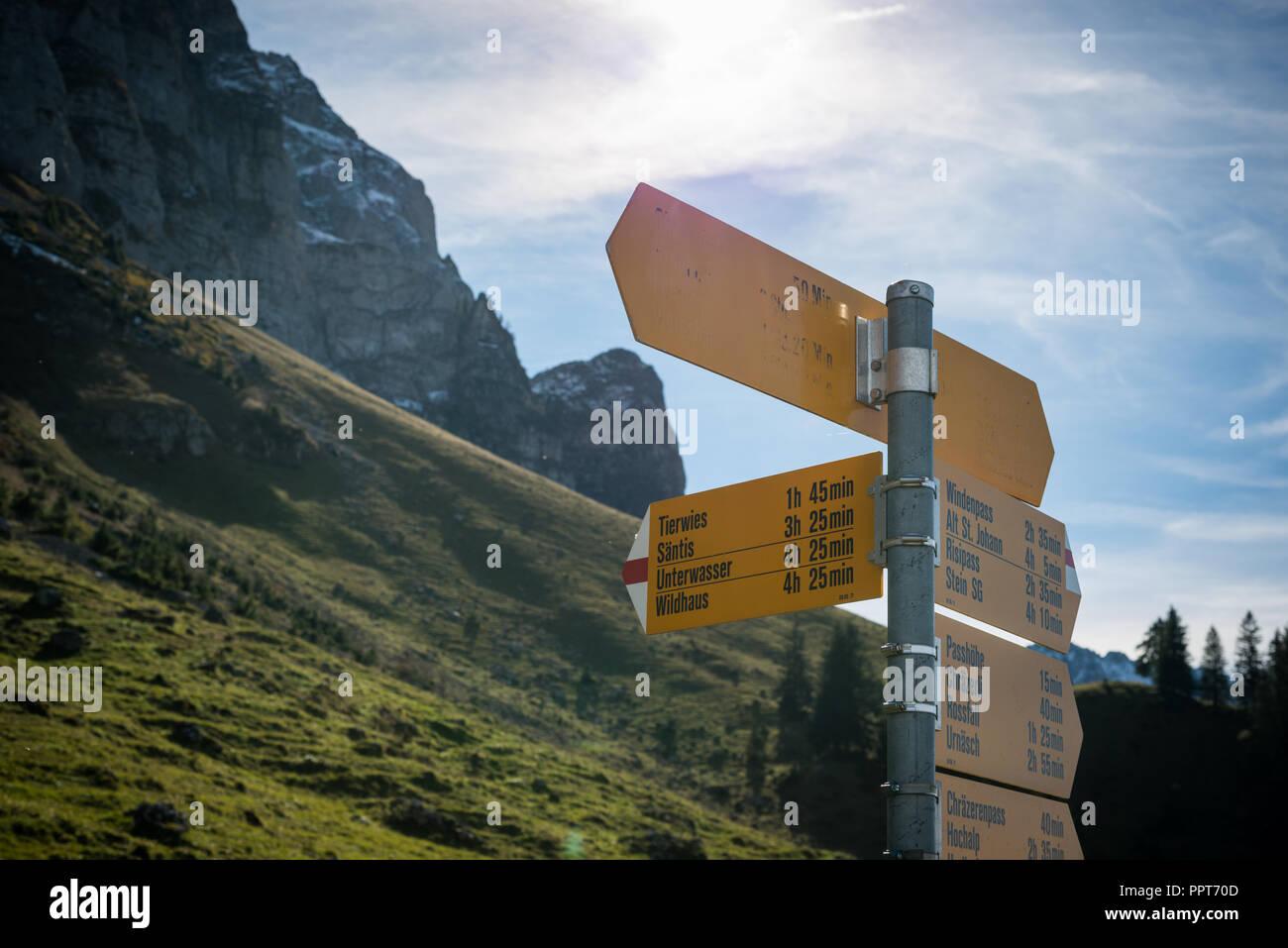 Schild auf dem Berg Säntis Stockbild
