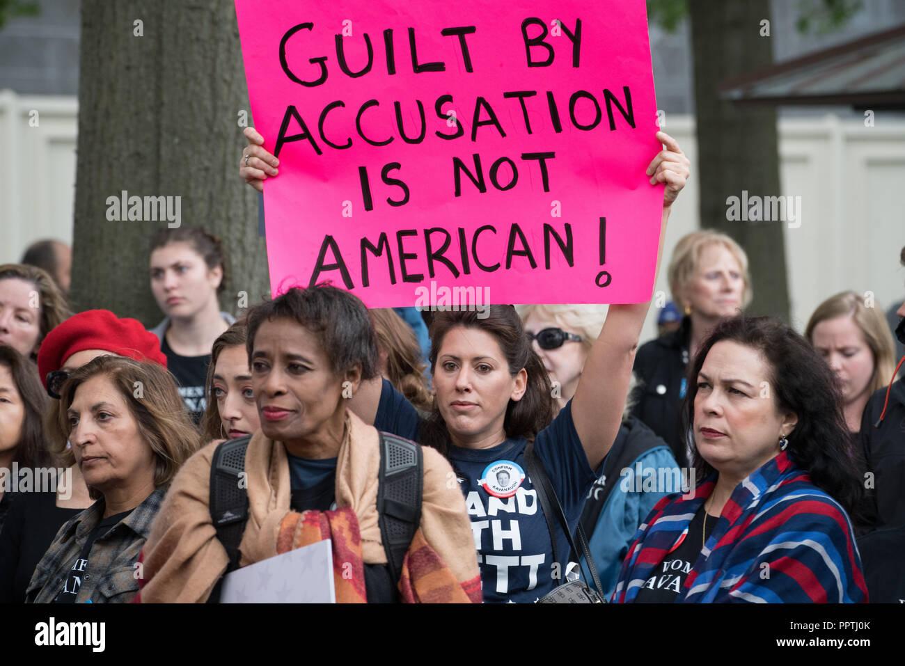 Washington, DC - September 27, 2018: Frauen halten Rally Unterstützung der Supreme Court Nominee Brett Kavanaugh Credit: Xavier Ascanio/Alamy leben Nachrichten Stockfoto