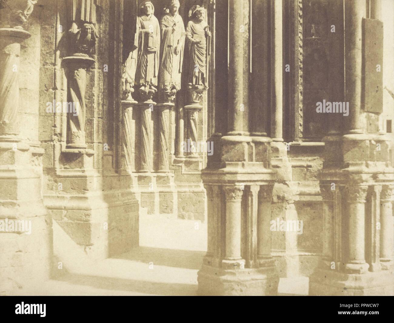 Detaillierte Ansicht der externen Kolonnade der Kathedrale von Bourges; Pierre-Émile - Joseph Pécarrère, Französisch, 1816 - 1904, Bourges Stockbild