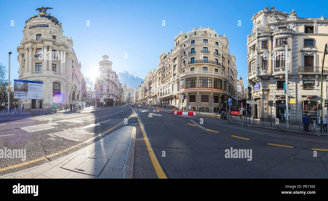 Panorama Der Historischen Gebäude An Der Ecke Der Calle De Alcalá