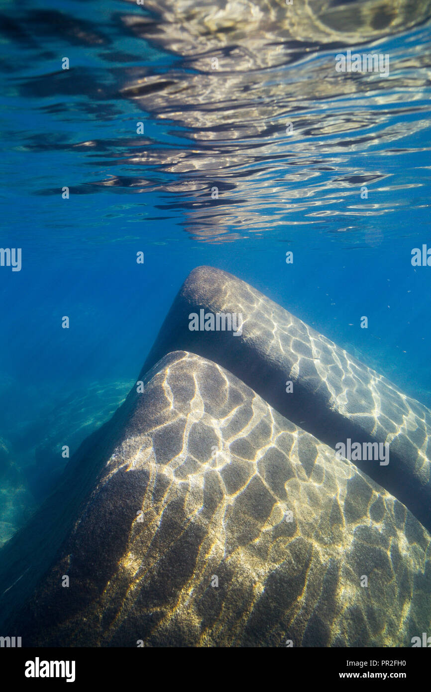 Sand Harbor, Lake Tahoe, Unterwasser boulder Landschaften in kristallklaren Bergsee am Sand Harbor, Incline Village, Nevada, Nordamerika. Stockbild