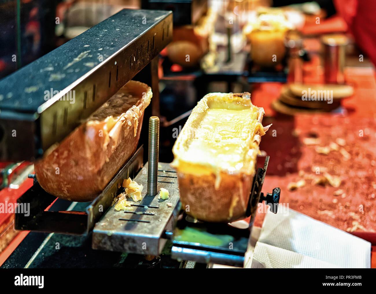raclette switzerland stockfotos raclette switzerland bilder seite 2 alamy. Black Bedroom Furniture Sets. Home Design Ideas