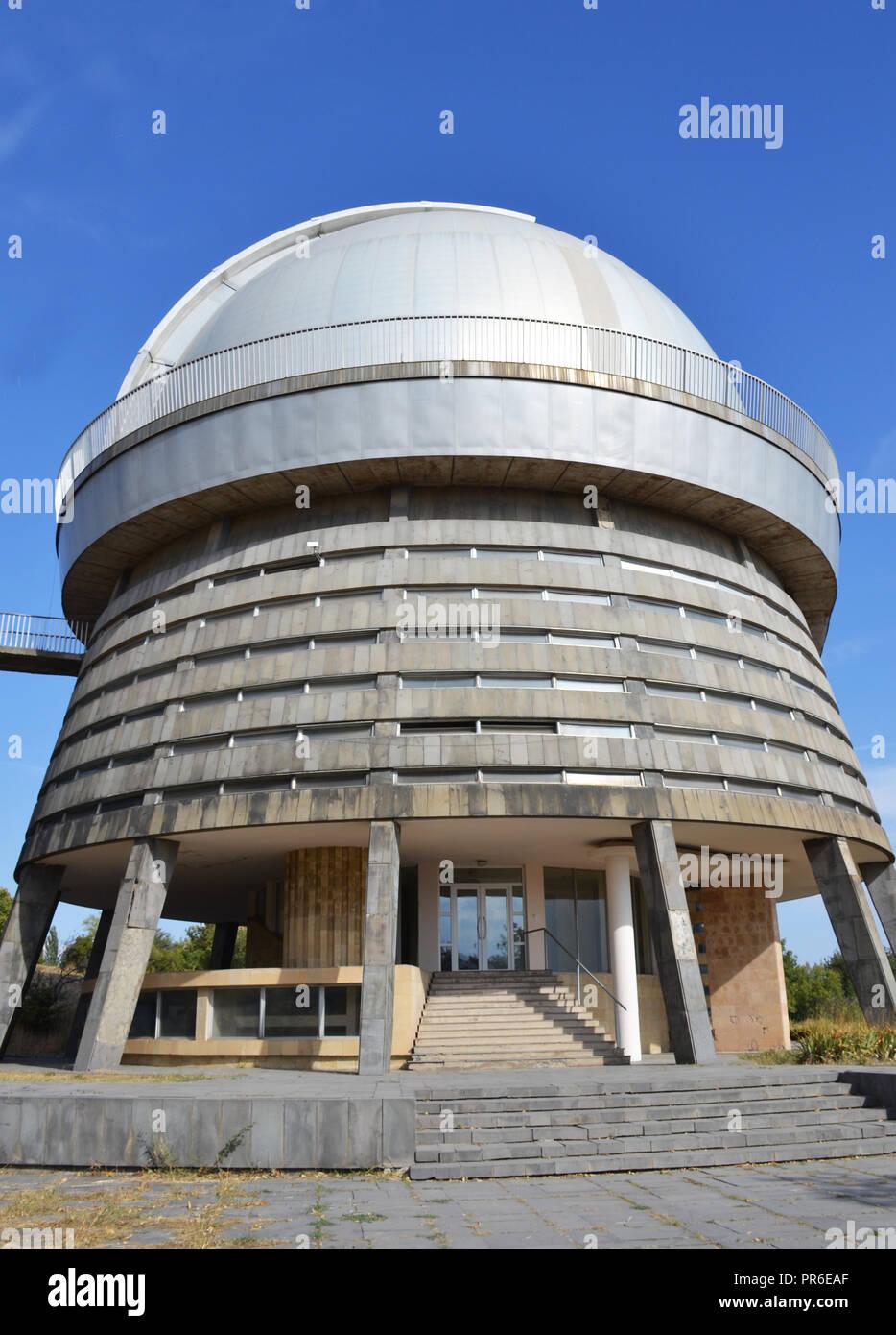 Sternwarte Teleskop In Byurakan Armenien Stockfotografie Alamy