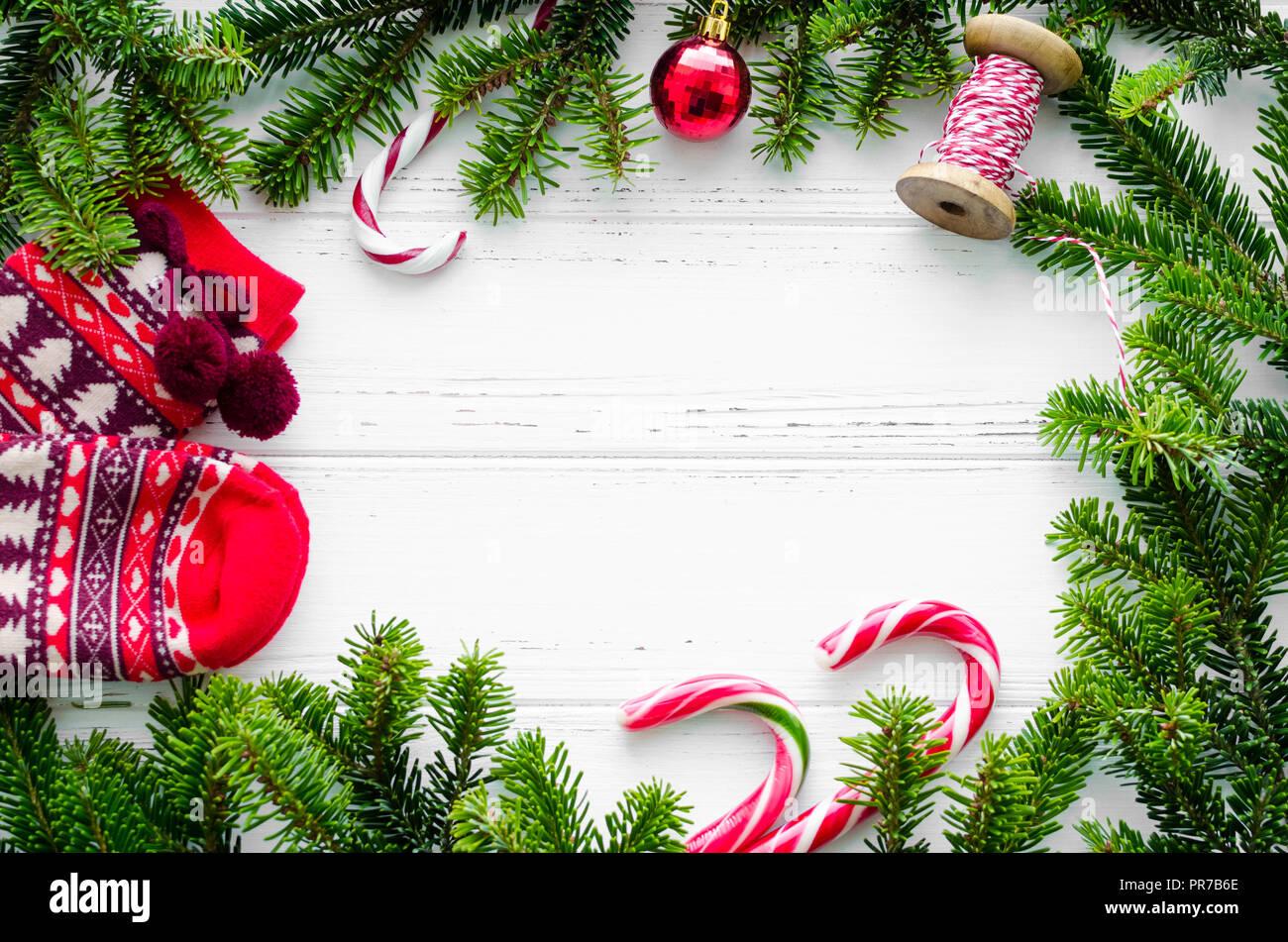 Frohe Weihnachten Rahmen.Weihnachten Rahmen Von Tannenbaum äste Urlaub Socken Und