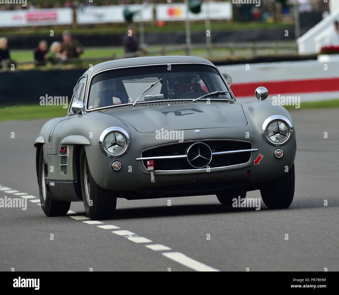 Jochen Mass, Mercedes 300 SL Flügeltürer, Freddie März Memorial Trophy, Sportwagen, 1952 bis 1955, Goodwood Revival 2018, September 2018, Autos, Stockbild