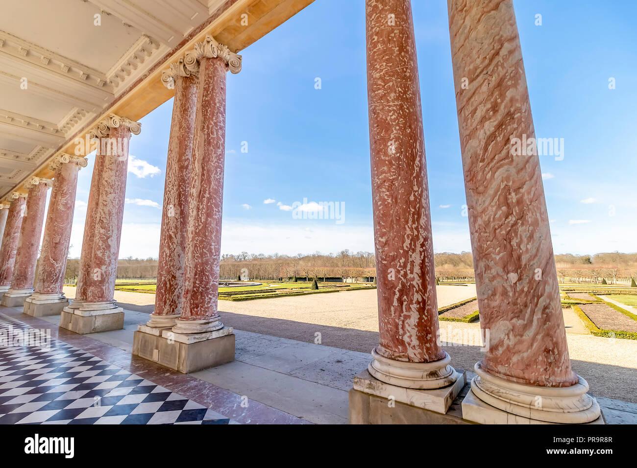 Korridore des Grand Trianon in Versailles, Frankreich. Das Schloss von Versailles ist eine königliche Schloss Stockbild