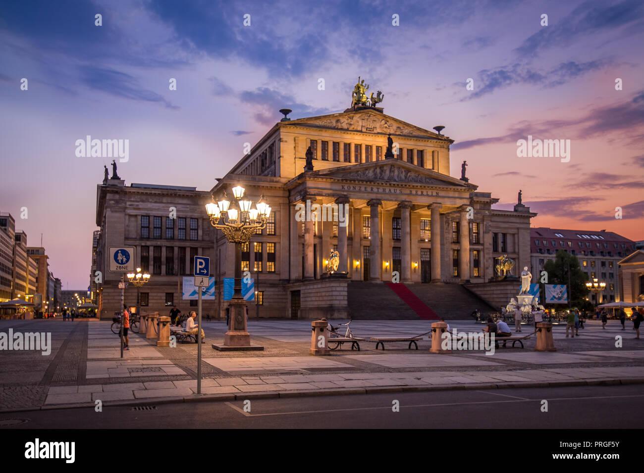 Konzerthaus Berlin, Deutschland Blaue Stunde Sonnenuntergang Stockbild