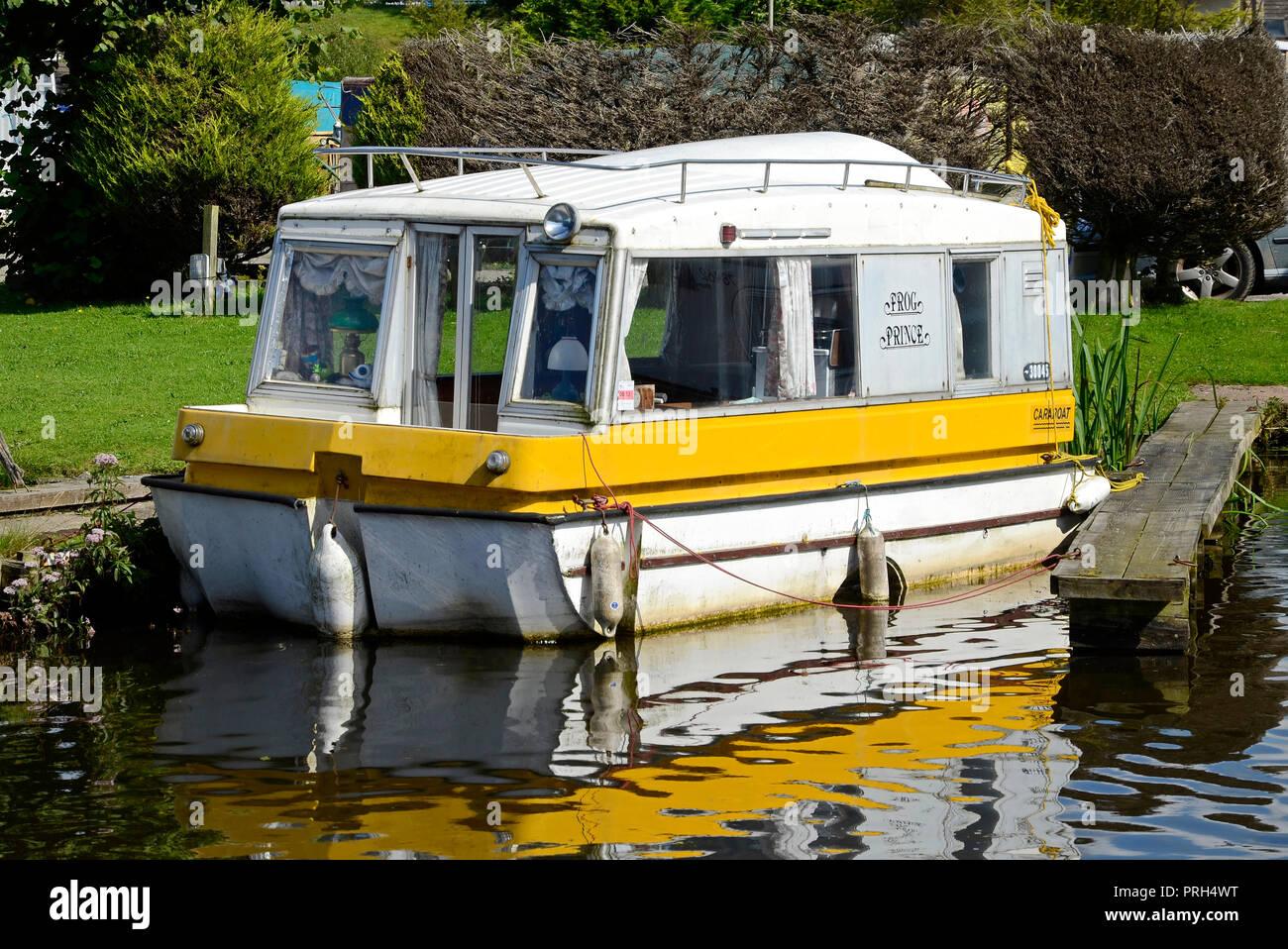 Seltene Caraboat Auf Der Lancaster Canal Reiben Strake Stockfoto