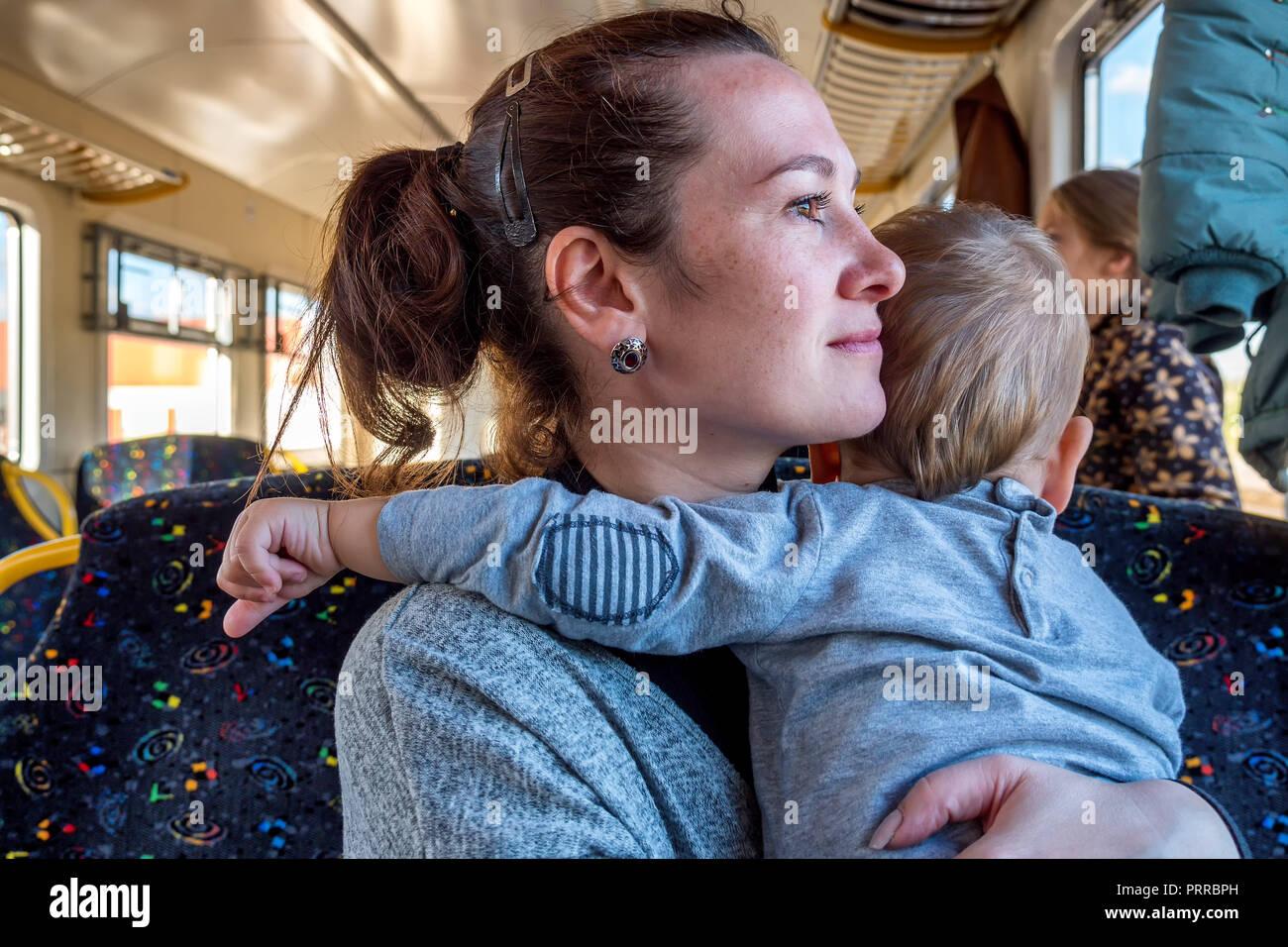 Female Child Pulling Female Baby Stockfotos Female Child Pulling