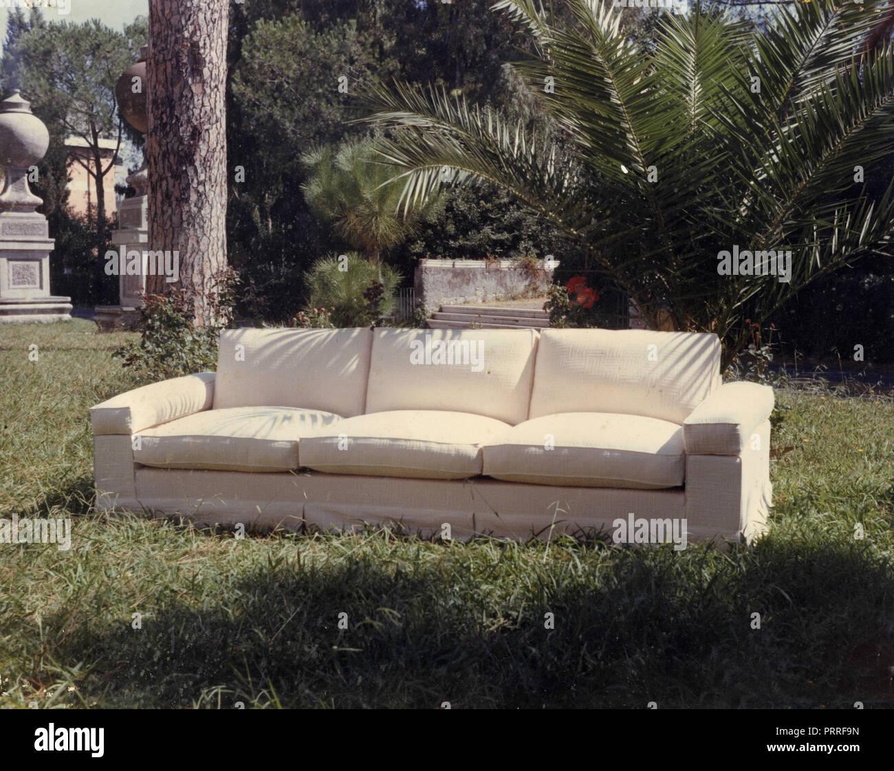 Sofa weiß, 1990 s Stockbild