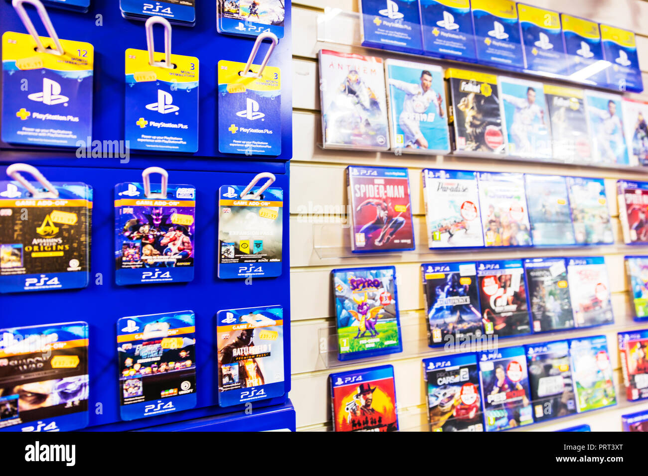 Sony Playstation Spiele, Sony Playstation Spiel add ons, Sony PS4-Games, Sony PS4, PS4 Spiel, Sony Playstation Plus, PS4 Shop, Playstation, game Stockbild