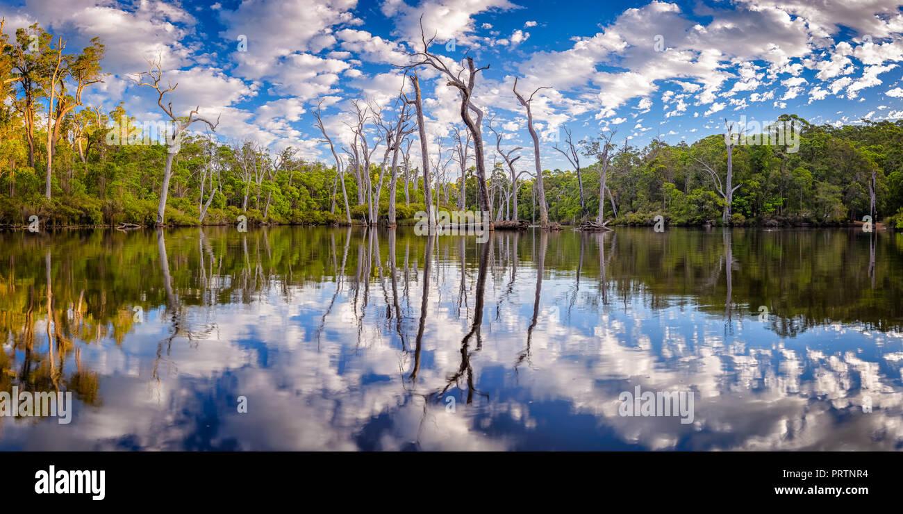 Reflexionen über die Margaret River Stockbild