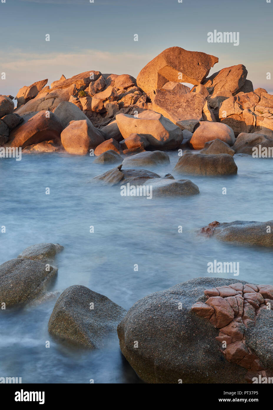 Felsen am Strand von Palombaggia, Korsika, Frankreich Stockbild