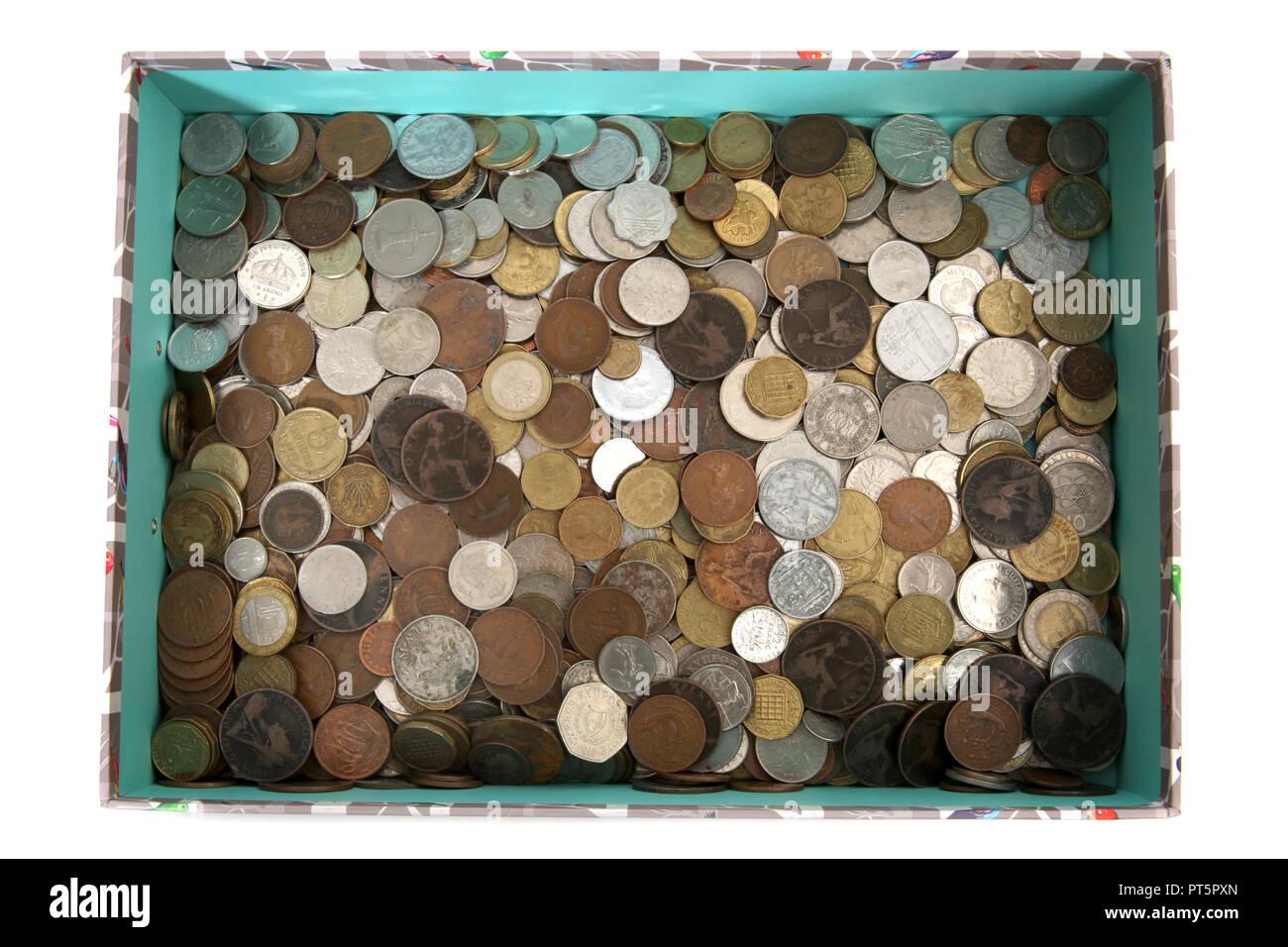 Eine Sammlung von alten world wide Münzen verwendet wird. Stockbild