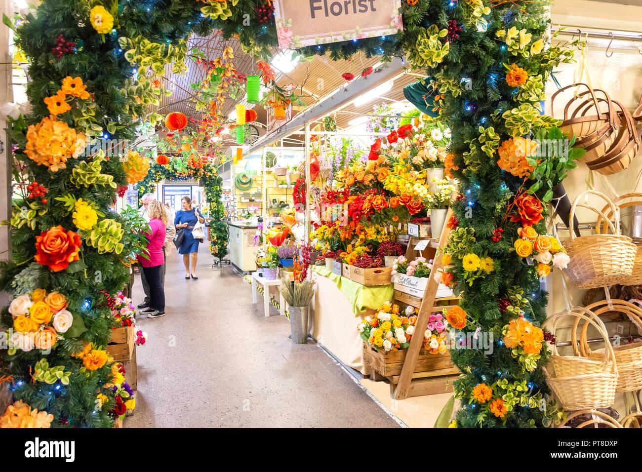Florist Stall, Hereford Butter Markt, Market Hall, High Street, Hereford, Herefordshire, England, Vereinigtes Königreich Stockbild