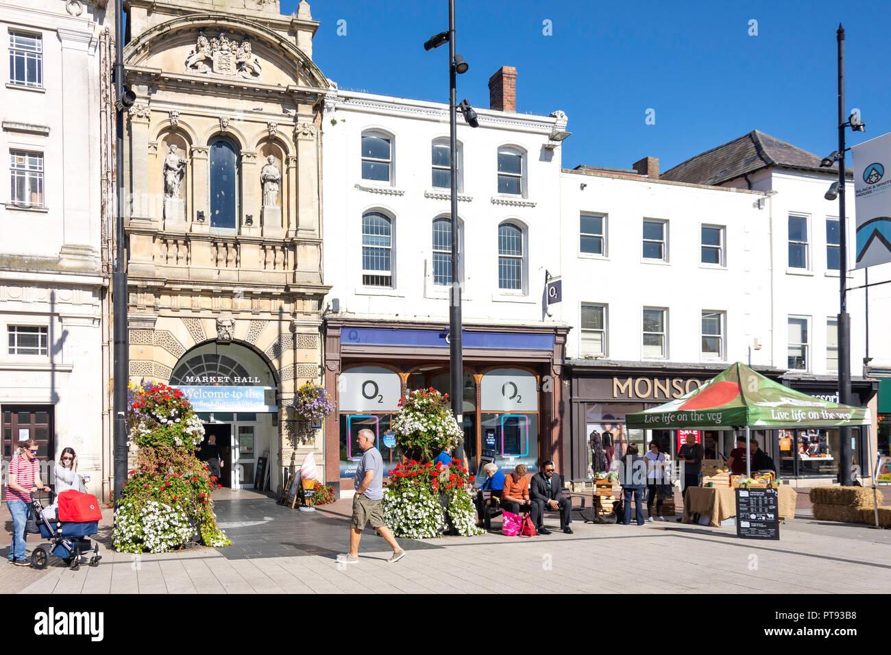 Eingang zur Markthalle, High Street, Hereford, Herefordshire, England, Vereinigtes Königreich Stockbild