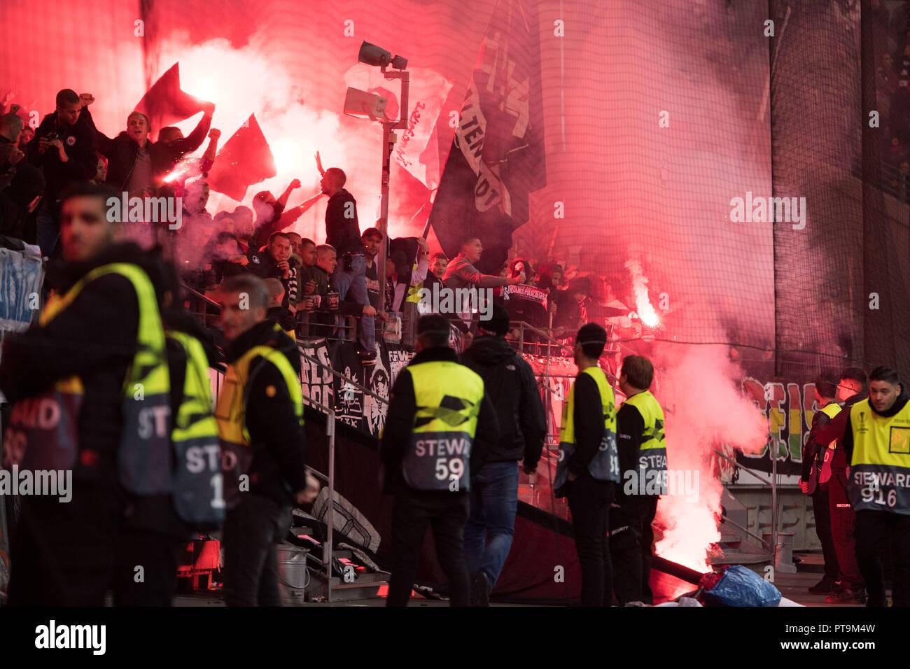 Frankfurt Fans Feuerwerk Pyrotechnik Pyro Bengalos