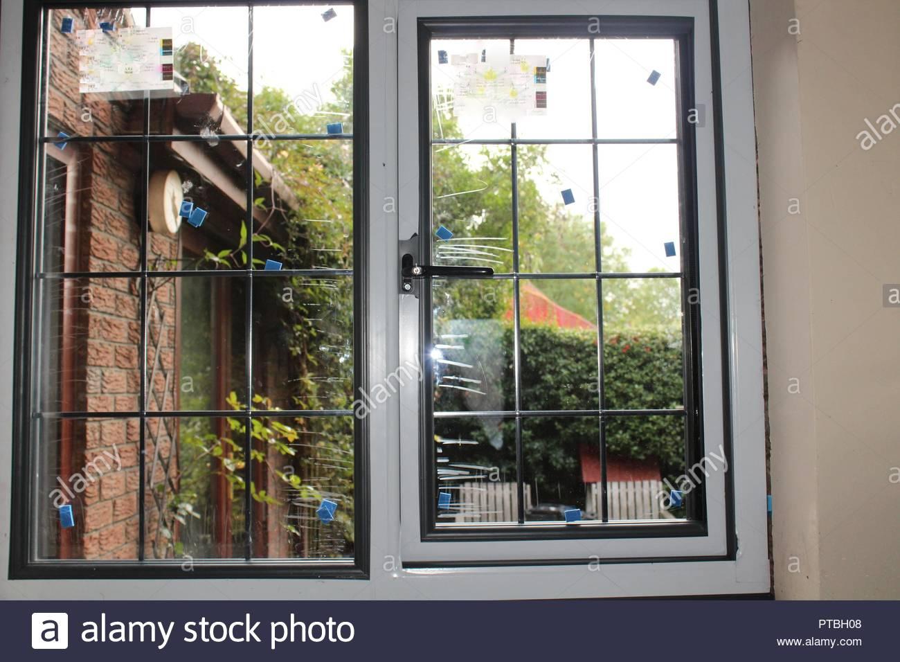 Ein Fenster Austauschen Stockfoto Bild 221530968 Alamy