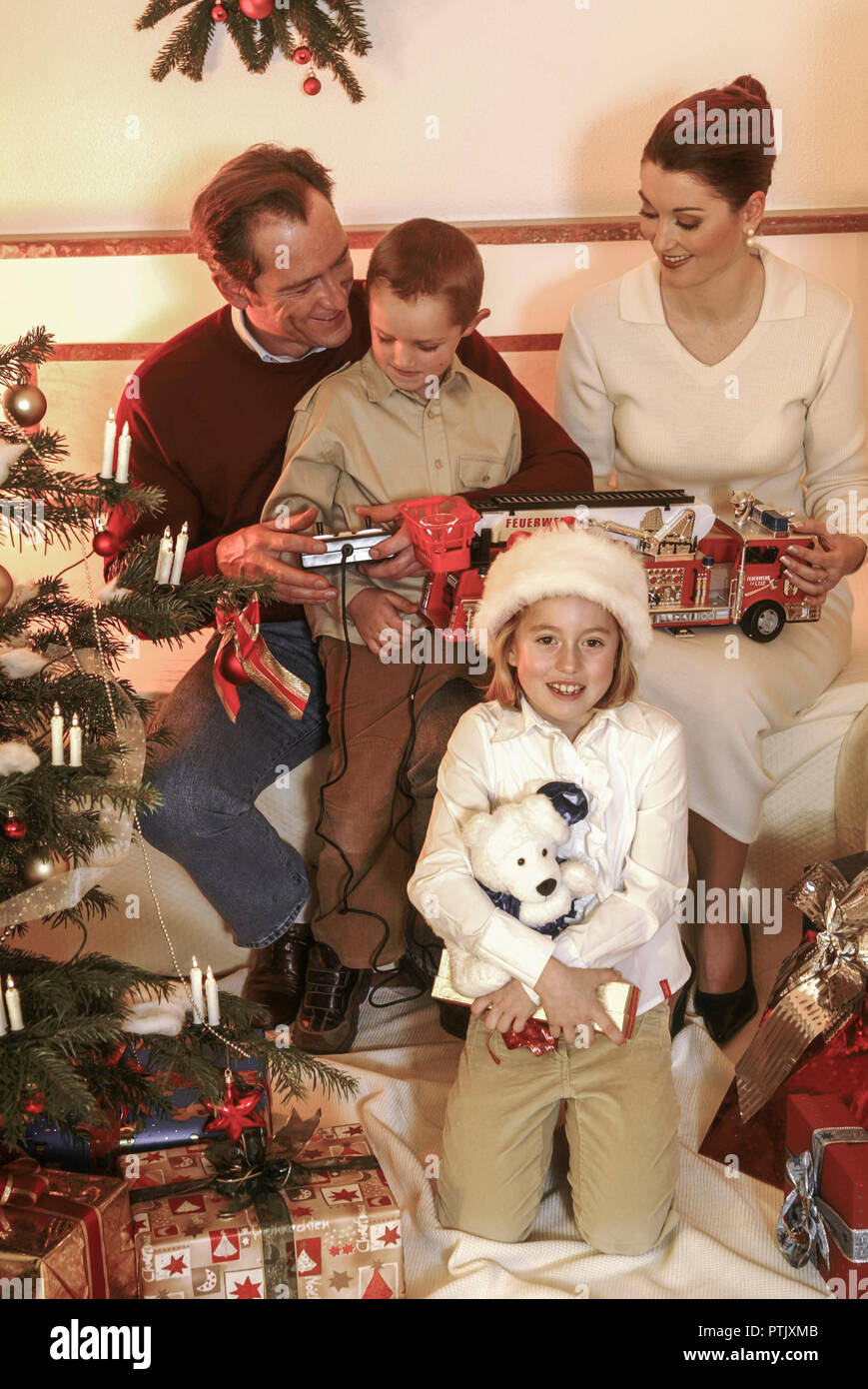Geschenkideen Familie Weihnachten.Weihnachten Familie Geschenk Weihnachtsabend Bescherung