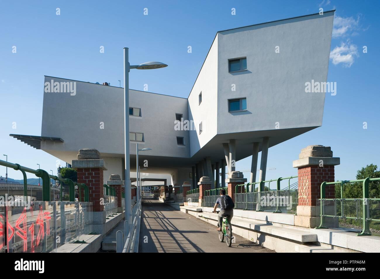 Wien Donaukanal Bauten Von Zaha Hadid Stockfoto Bild 221767132