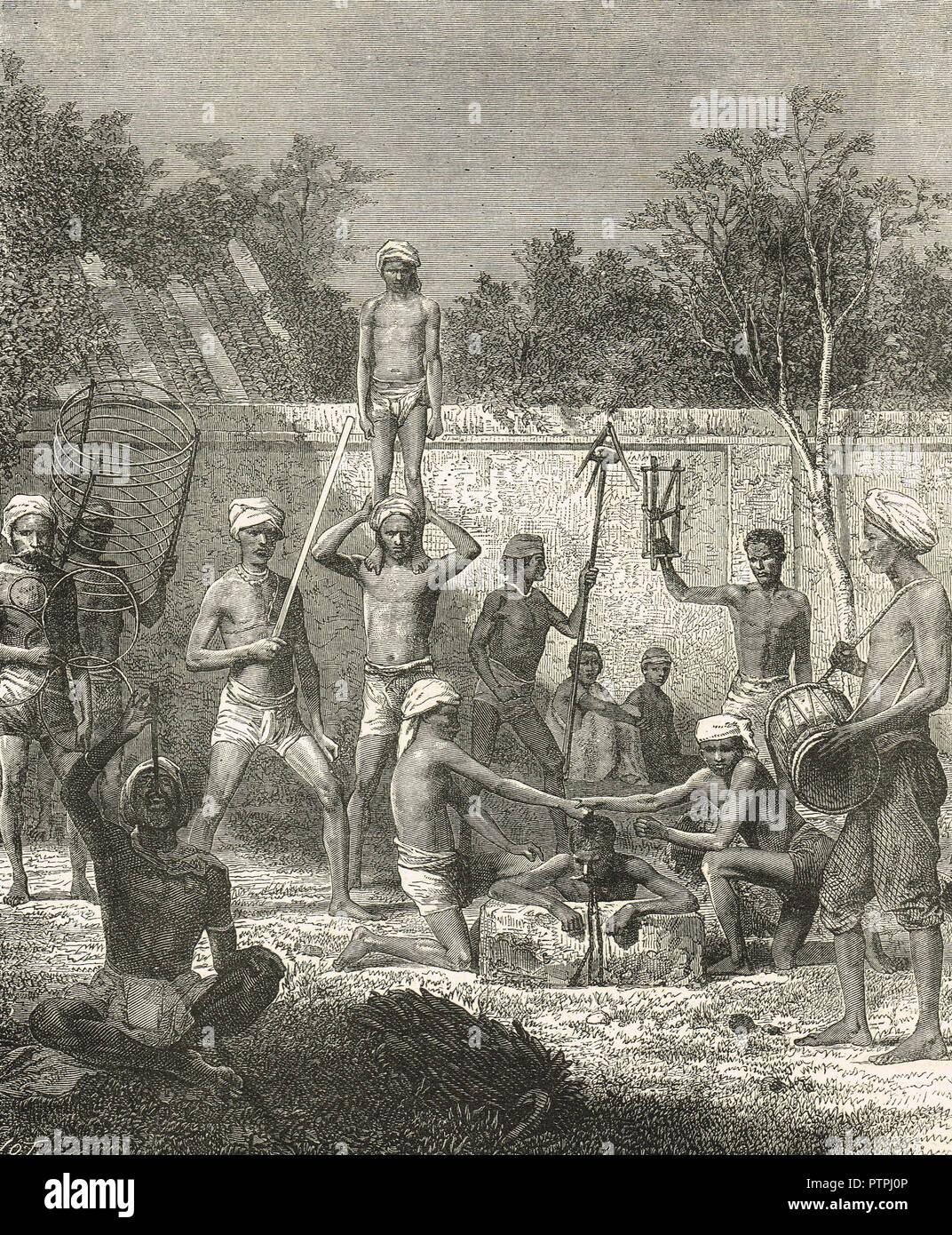 Hindu Straßenkünstler, Gaukler, Sword swallowers, Jongleure, Indien im 19. Jahrhundert Stockfoto
