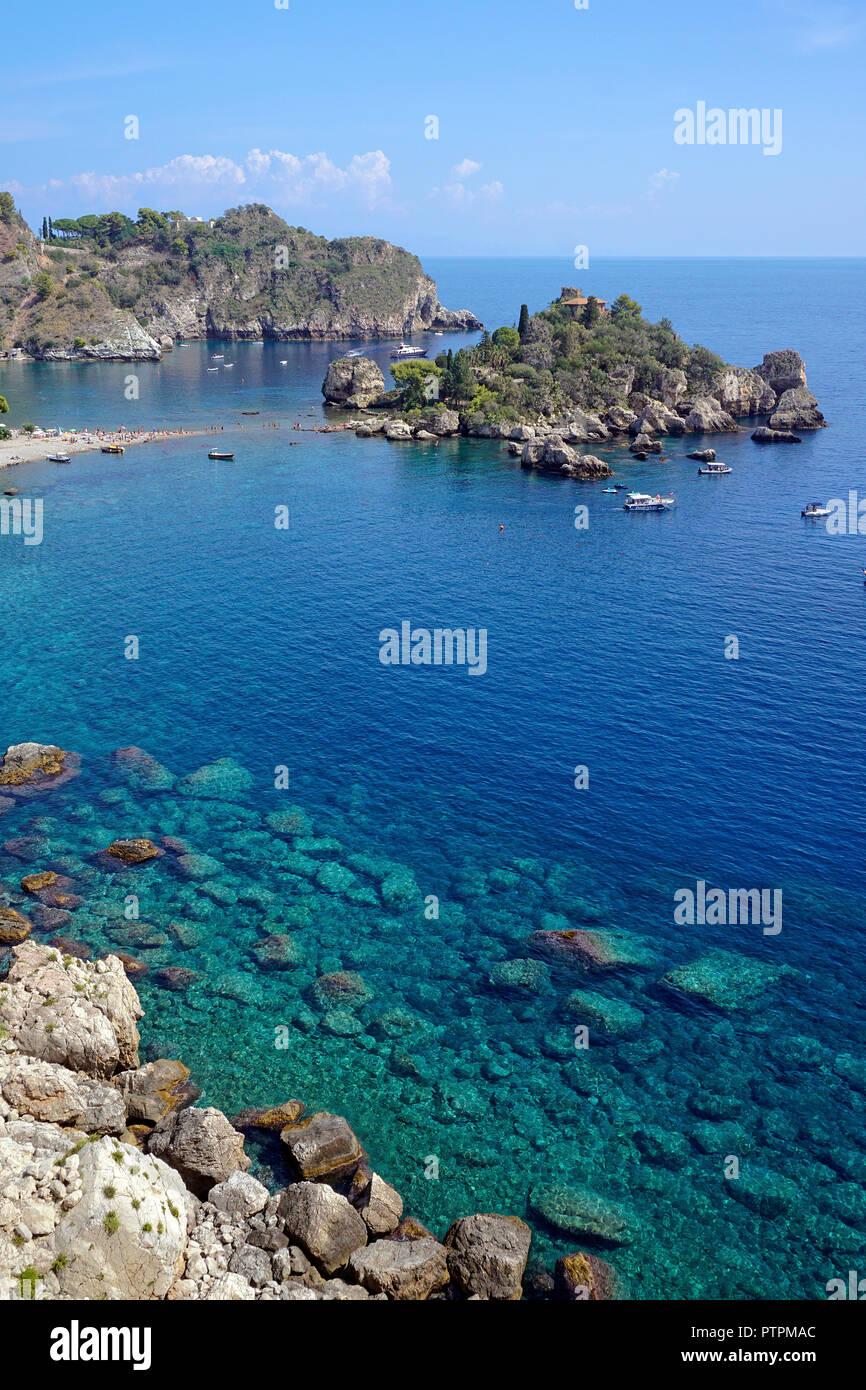 Die Isola Bella, schöne kleine Insel und eines der Wahrzeichen von Taormina, Sizilien, Italien Stockbild