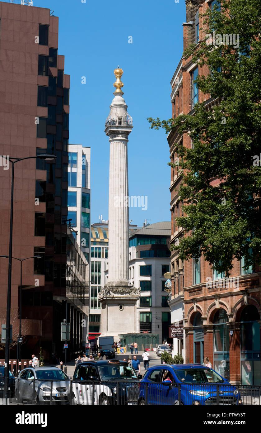 Das Denkmal oder Denkmal für den großen Brand von London ist eine dorische Säule und wurde zwischen 1671 und 1677 errichtete Große Feuer von London zu gedenken. Stockbild