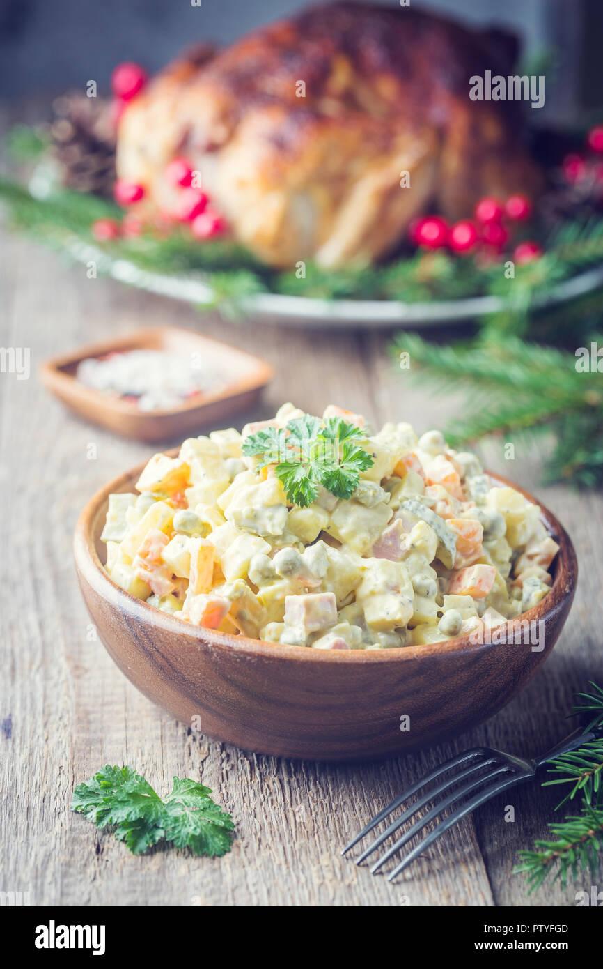 Die Traditionellen Russischen Salat Mit Gekochtem Gemüse Mit