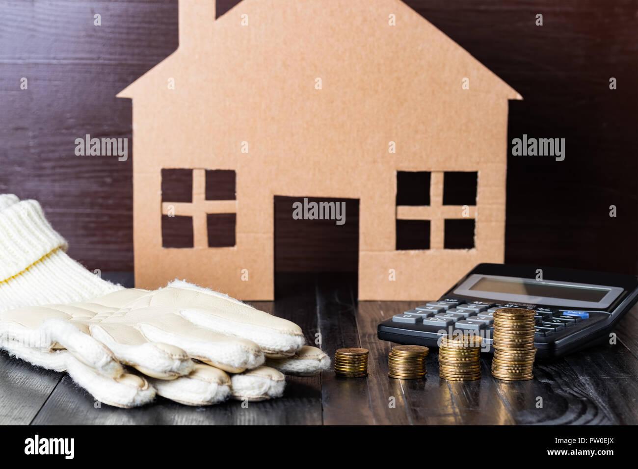 Home Wärme Oder Ausgaben Konzept Warme Handschuhe Münze Stapel