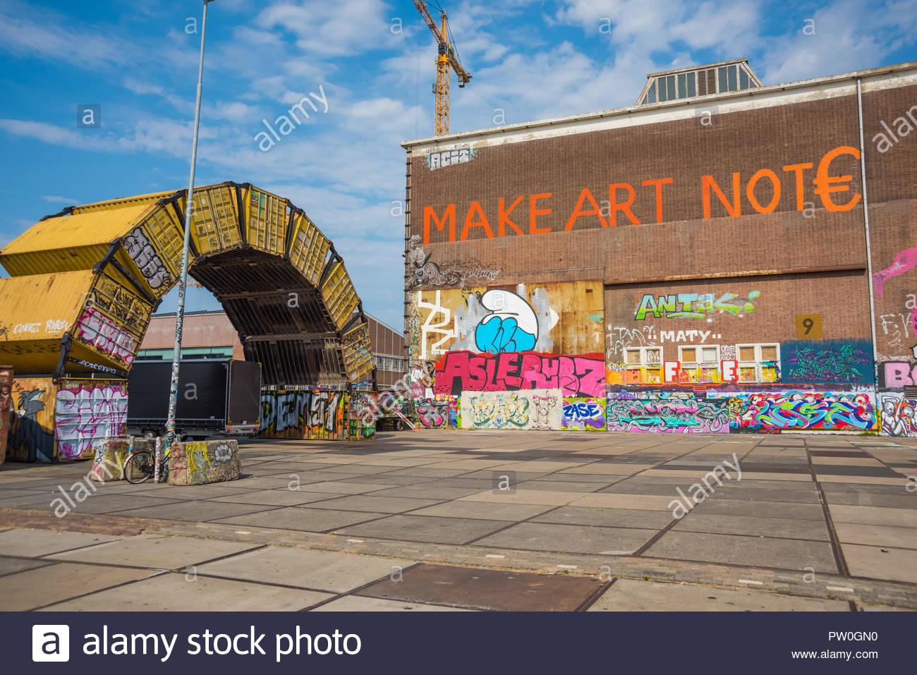 Amsterdam Noord, der NDSM-Werft (am Ufer des Flusses IJ in Amsterdam Noord befindet sich eine ehemalige Werft. Mit ihrer lebendigen und Künstlergemeinschaft Stockbild