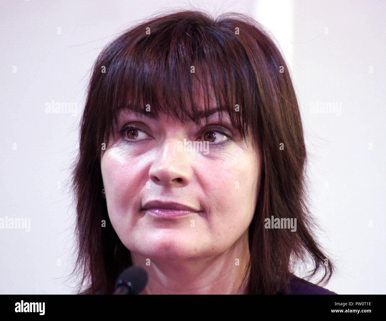 Lorraine Kelly ist eine berühmte schottische Fernsehmoderatorin, Sender und Persönlichkeit. Stockbild