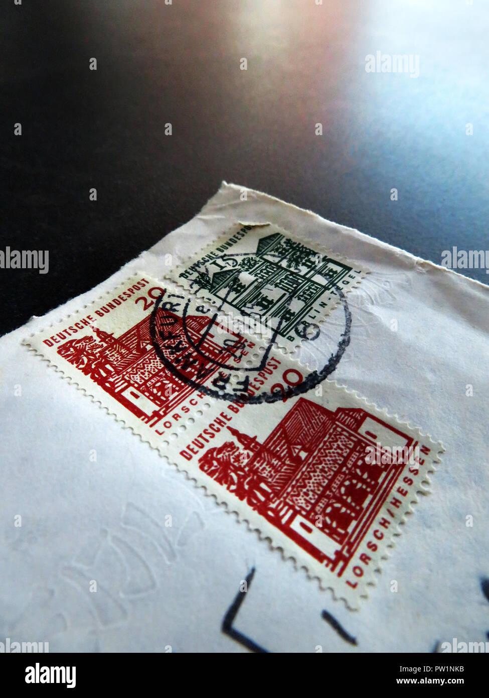 Nahaufnahme Von Deutschen Briefmarken Auf Einen Brief Aus Dem