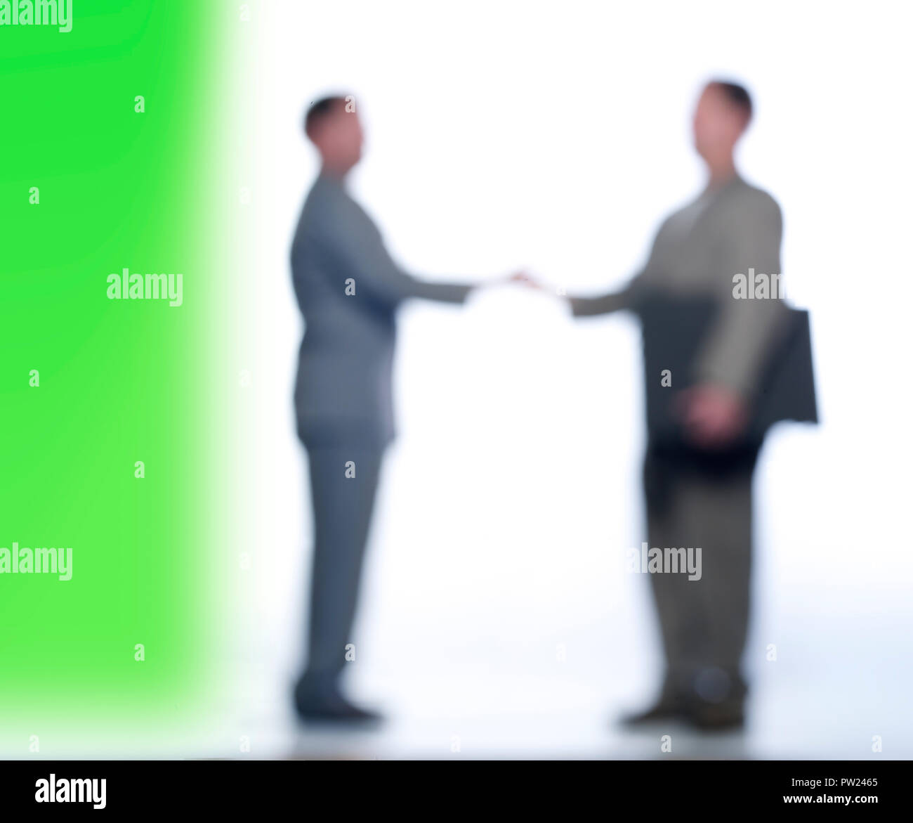 Konzept zwei Männer in Anzügen die Hände schütteln, Abkommen, Abkommen, Stockbild
