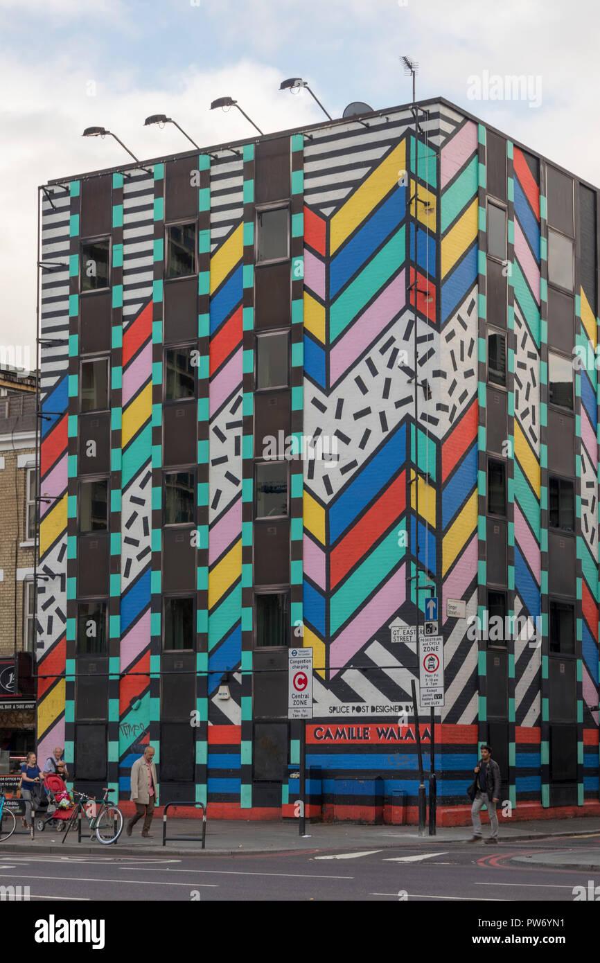 """Spleiß Postproduktion Büros, dessen Fassade von Camille Walala, 'Dream Wahr"""", Old Street, Shoreditch, London, England, Großbritannien Stockbild"""