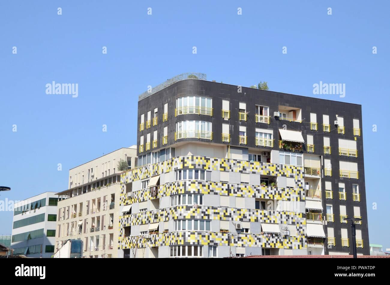 Ein Beispiel Fur Moderne Architektur Im Zentrum Von Tirana