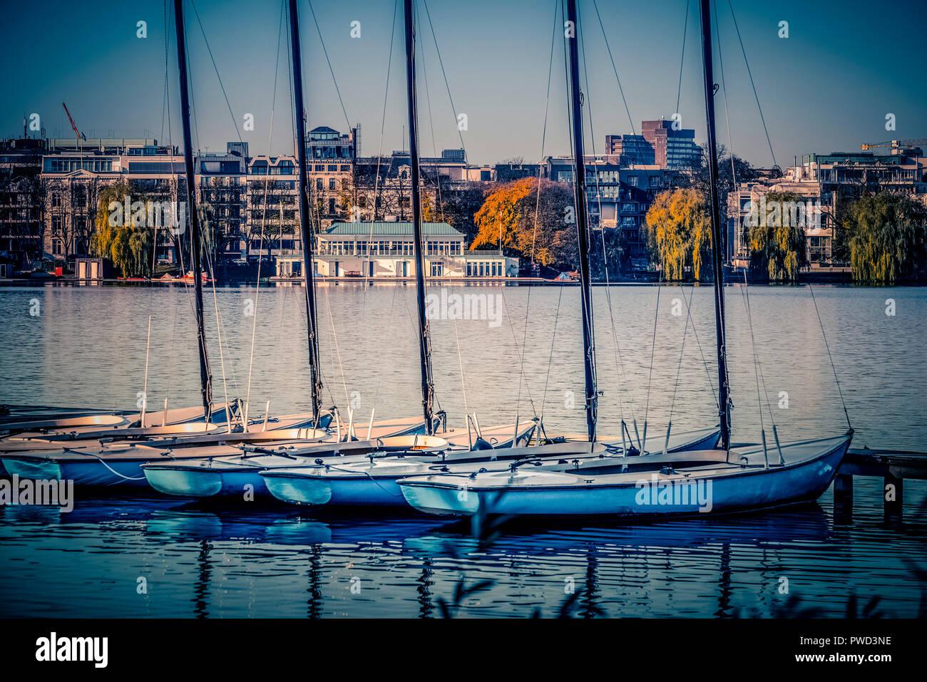 Deutschland, Hamburg, Alster, Außenalster, Ruderclub, Germania, Segeln, Segelboot Stockbild