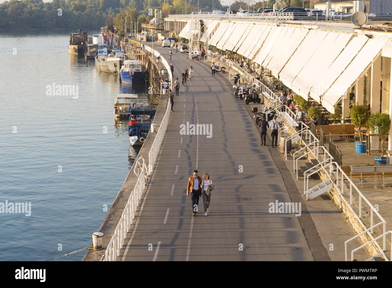 Beton Hala in Belgrad und der Fluss Sava Waterfront. Serbien. Stockbild