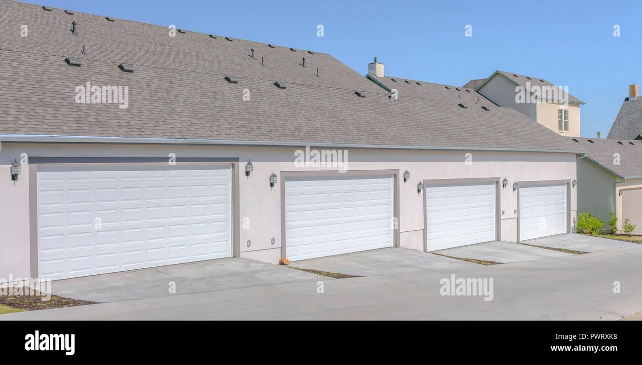 Zurück Garagen Von Schönen Wohnungen Im Morgengrauen Utah Stockfoto
