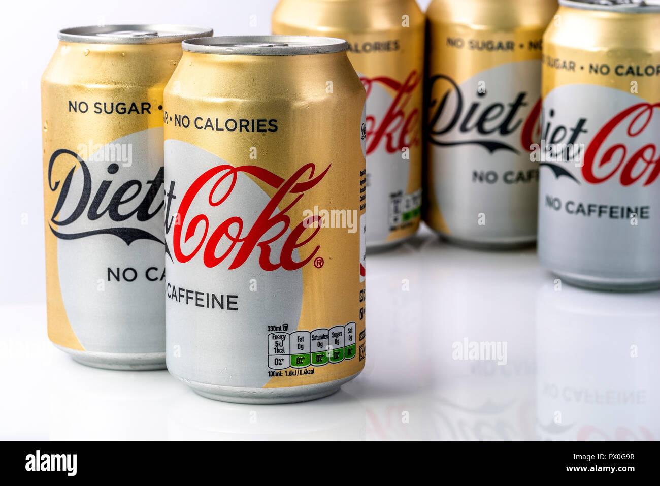 Mini Kühlschrank Cola Dose : Diät coca cola dosen stockfotos diät coca cola dosen bilder alamy