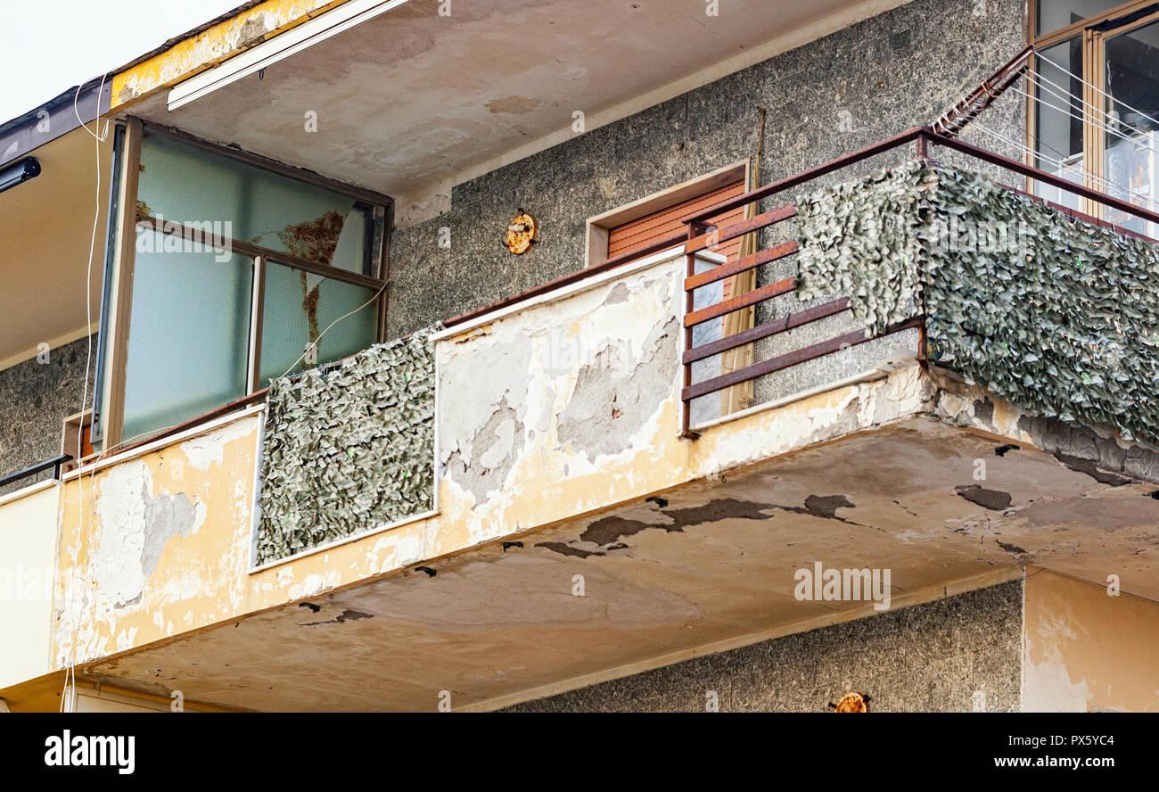 Favorit Balkon mit gerissenem Beton und rostiges Eisen, Renovierung TM46